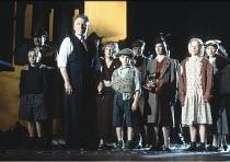 AN INSPECTOR CALLS   by J B Priestley   design: Ian MacNeil   director: Stephen Daldry ~~Kenneth Cranham (Inspector Goole)~National Theatre production / Aldwych Theatre, London WC2       08/1993