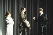 HAMLET   by Shakespeare   design: Bob Crowley   lighting: Alan Burrett   director: Adrian Noble ~l-r: Joanne Pearce (Ophelia), Richard Bonneville (Laertes), David Bradley (Polonius)~Royal Shakespeare...