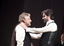 THE WINTER'S TALE   by Shakespeare   set design: Anthony Ward   costumes: Catherine Zuber   lighting: Paul Pyant   director: Sam Mendes ~l-r: Simon Russell Beale (Leontes), Josh Hamilton (Polixenes) w...