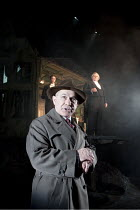 AN INSPECTOR CALLS   by J B Priestley   design: Ian MacNeil   lighting: Rick Fisher   director: Stephen Daldry ~~l-r: (rear) Robin Whiting (Eric Birling), (foreground) Nicholas Woodeson (Inspector Goo...