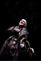 KING LEAR   by Shakespeare   design: Jon Bausor   lighting: Jon Clark   director: David Farr ~Greg Hicks (King Lear), Kathryn Hunter (Fool)~Royal Shakespeare Company (RSC) / Courtyard Theatre, Stratfo...