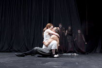 MACBETH   by Shakespeare   design: Katrina Lindsay   director: Lucy Bailey ~front: Laura Rogers (Lady Macbeth), Elliot Cowan (Macbeth)   rear, l-r: Janet Fullerlove (Witch 1), Simone Kirby (Witch 2),...