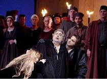 SIMON BOCCANEGRA   by Verdi   conductor: Antonio Pappano   set design: Michael Yeargan   costumes: Peter J Hall   director: Elijah Moshinsky ~Boccanegra dies - l-r: Marina Poplavskaya (Amelia Grimaldi...