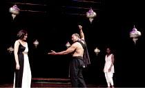 ANTONY AND CLEOPATRA   by Shakespeare   design: Peter Mckintosh   lighting: Paul Pyant   director: Janet Suzman  ~l-r: Kim Cattrall (Cleopatra), Jeffery Kissoon (Mark Antony), Gracy Goldman (Iras)~Liv...