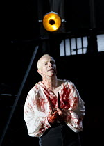 MACBETH   by Shakespeare   design: Tom Piper   lighting: Jean Kalman   director: Michael Boyd ~Jonathan Slinger (Macbeth)~Royal Shakespeare Company (RSC) / Royal Shakespeare Theatre     Stratford-upon...