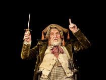 HENRY IV part i   by Shakespeare   set design: Simon Higlett   costumes: Christopher Woods   lighting: Peter Mumford   fight director: Kate Waters   director: Peter Hall ~Desmond Barrit (Sir John Fals...