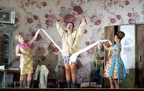 Il trittico - GIANNI SCHICCHI   by Puccini   conductor: Antonio Pappano   set design: John Macfarlane   costumes: Nicky Gillibrand   lighting: Mimi Jordan Sherin   director: Richard Jones   l-r: Rebe...