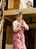 NOISES OFF Old Vic 2011