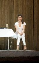 HAMLET   by Shakespeare   German translation by Marius von Mayenburg   set design: Jan Pappelbaum   costumes: Nina Wetzel   lighting: Erich Schneider   director: Thomas Ostermeier    Judith Rosmair (...