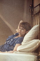 INDIAN INK   by Tom Stoppard   design: Carl Toms   lighting: Mark Henderson   director: Peter Wood ~~Felicity Kendal (Flora Crewe) shot through mosquito net~Aldwych Theatre, London WC2   27/02/1995 ~(...
