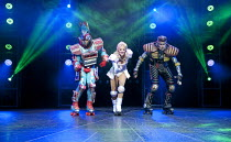 STARLIGHT EXPRESS   music: Andrew Lloyd Webber   lyrics: Richard Stilgoe   design: John Napier   lighting: Nick Richings   direction & choreography: Arlene Phillips ~~l-r: Mykal Rand (Electra), Amanda...