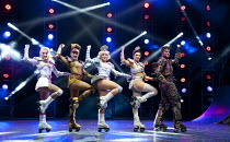 STARLIGHT EXPRESS   music: Andrew Lloyd Webber   lyrics: Richard Stilgoe   design: John Napier   lighting: Nick Richings   direction & choreography: Arlene Phillips ~~l-r: Amanda Coutts (Pearl), Kelse...