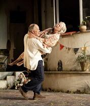 THE LAST OF THE HAUSSMANS   by Stephen Beresford    design: Vicki Mortimer   lighting: Mark Henderson   director: Howard Davies ~Matthew Marsh (Peter), Julie Walters (Judy)~Lyttelton Theatre / Nationa...