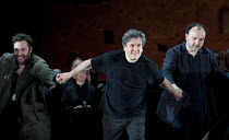 LES TROYENS   by Berlioz   conductor: Antonio Pappano   set design: Es Devlin   costumes: Moritz Junge   lighting: Wolfgang Gobbel   director: David McVicar   Antonio Pappano leads curtain call with...