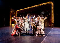 KISS ME KATE   after 'The Taming of the Shrew' by Shakespeare   music & lyrics: Cole Porter   book: Sam & Bella Spewack   design: Robert Jones   lighting: Tim Mitchell   choreography: Stephen Mear   d...