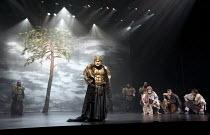 CYMBELINE   by Shakespeare   set design: Tsukasa Nakagoshi   costumes: Nobuko Miyamoto   lighting: Jiro Katsushiba   director: Yukio Ninagawa ~centre: Kohtaloh Yoshida (Cymbeline, King of Britain)   r...