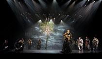 CYMBELINE   by Shakespeare   set design: Tsukasa Nakagoshi   costumes: Nobuko Miyamoto   lighting: Jiro Katsushiba   director: Yukio Ninagawa ~front right, l-r: Kohtaloh Yoshida (Cymbeline, King of Br...