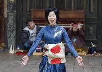 CORIOLANUS   by Shakespeare   costumes: Kyoko Domoto   director: Motoi Miura ~Satoko Abe (Chorus)~Chiten Theatre Company, Kyoto / Globe to Globe festival / Shakespeare's Globe, London SE1   21/05/2012