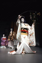 Kabuki HAMLET   after Shakespeare ~l-r: Tanosuke Sawamura (Seritonomae / Gertrude), Maisusuke Onde (Shiba / Claudius), Somegoro Ichikawa (Mikariyahime / Ophelia)~Tokyo Globe production / Mermaid Theat...