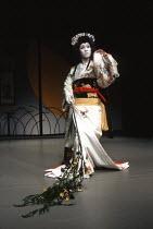 Kabuki HAMLET   after Shakespeare ~Somegoro Ichikawa (Mikariyahime / Ophelia)~Tokyo Globe production / Mermaid Theatre, London EC4   18/09/1991