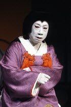 Kabuki HAMLET   after Shakespeare ~Tanosuke Sawamura (Seritonomae / Gertrude)~Tokyo Globe production / Mermaid Theatre, London EC4   18/09/1991