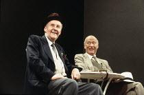 HOME   by David Storey   design: Vicki Mortimer   lighting: Mark Henderson   director: David Leveaux ~l-r: Richard Briers (Jack), Paul Eddington (Harry) ~Wyndham's Theatre, London WC2   21/06/1994