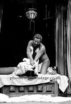 OTHELLO   by Shakespeare  design: Julia Trevelyan Oman   lighting: Brian Harris   director: John Barton ~Brewster Mason (Othello), Lisa Harrow (Desdemona) ~Royal Shakespeare Company (RSC) / Aldwych Th...
