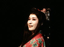 MACBETH   by Shakespeare   set design: Kappa Senoh   costumes: Jusaburo Tsujimura   lighting: Sumio Yoshii   director: Yukio Ninagawa ~Komaki Kurihara (Lady Macbeth)~Ninagawa Theatre Company / Lyttelt...