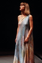 ANTONY AND CLEOPATRA   by Shakespeare   design: Nadine Baylis   lighting: Leo Leibovici   director: Adrian Noble Helen Mirren (Cleopatra)Royal Shakespeare Company (RSC) / The Other Place, Stratford-up...