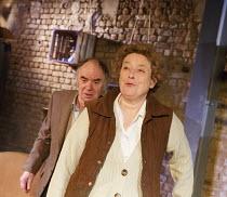 VISITORS   by Barney Norris   director: Alice Hamilton   Robin Soans (Arthur), Linda Bassett (Edie)  Arcola Theatre, London E8   06/03/2014