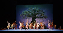 THE WINTER'S TALE   after Shakespeare   choreography: Christopher Wheeldon   music: Joby Talbot   design: Bob Crowley   lighting: Natasha Katz   conductor: David Briskin ~Bohemia~The Royal Ballet (RB)...