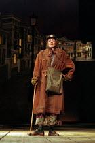 THE LADY IN THE VAN  by Alan Bennett  design: Mark Thompson  lighting: Hugh Vanstone  director: Nicholas Hytner~~Maggie Smith (Miss Shepherd) ~Queen's Theatre, London W1   07/12/1999 ~(c) Donald Coope...