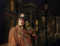THE LADY IN THE VAN  by Alan Bennett  design: Mark Thompson  lighting: Hugh Vanstone  director: Nicholas Hytner~~Maggie Smith (Miss Shepherd) ~Queen's Theatre, London W1   07/12/1999~(c) Donald Cooper...