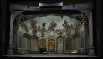 LA FINTA GIARDINIERA   by Mozart   after Goldoni   conductor: Robin Ticciati   design: Antony McDonald   lighting: Lucy Carter   director: Frederic Wake-Walker  front,  stage,set,full,empty,inrerior,...