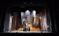 LA FINTA GIARDINIERA   by Mozart   after Goldoni   conductor: Robin Ticciati   design: Antony McDonald   lighting: Lucy Carter   director: Frederic Wake-Walker   final scene, Belfiore hauls the scene...
