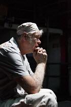 TOAST   by Richard Bean   design: James Turner   lighting: Mike Robertson   director: Eleanor Rhode ~Matthew Kelly (Nellie) ~Park Theatre, Finsbury Park, London N4   29/08/2014