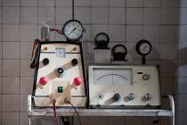 GRAND GUIGNOL   by Carl Grose   design: Alex Doidge-Green   lighting: David W. Kidd   director: Simon Stokes   experiment,scientific,apparatus,gothic,horror a Theatre Royal Plymouth production / Sou...