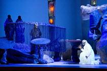 DAS RHEINGOLD   by Wagner   conductor: Valery Gergiev   set design: George Tsypin   costumes: Tatiana Noginova   lighting: Gleb Filshtinsky   production concept: Valery Gergiev & George Tsypin ~left (...