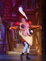 CINDERELLA   written by Eric Potts   choreographer: Lizzi Gee   director: Ian Talbot Matthew Kelly (Ugly Sister)New Wimbledon Theatre, London SW19  f09/12/2014  Donald Cooper/Photostage   donald@photo...