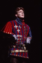 HENRY V   by Shakespeare   design: Bob Crowley   lighting: Robert Bryan   director: Adrian Noble    Kenneth Branagh (Henry V)Royal Shakespeare Company (RSC) / Royal Shakespeare Theatre, Stratford-upon...