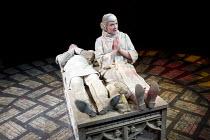 MATCHBOX THEATRE   by Michael Frayn   design: Polly Sullivan   lighting: David Howe   director: Hamish McColl 'Sleepers': Mark Hadfield, Felicity Montagu Hampstead Theatre (HT), London NW3   04/05/201...