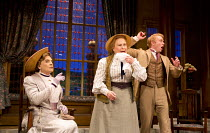 THE IMPORTANCE OF BEING EARNEST   by Oscar Wilde   design: Peter McKintosh   lighting: Howard Harrison   director: Adrian Noble   l-r: David Suchet (Lady Bracknell), Michele Dotrice (Miss Prism), Mich...