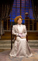 THE IMPORTANCE OF BEING EARNEST   by Oscar Wilde   design: Peter McKintosh   lighting: Howard Harrison   director: Adrian Noble   l-r: David Suchet (Lady Bracknell), Michele Dotrice (Miss Prism), Rich...