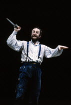 MACBETH  by Shakespeare   design: Chris Dyer   lighting: Howard Eaton   director: Howard Davies Bob Peck (Macbeth) Royal Shakespeare Company (RSC) / Royal Shakespeare Theatre, Stratford-upon-Avon, Eng...