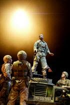 HENRY V by Shakespeare design: Tim Hatley lighting: Mark Henderson director: Nicholas Hytner   Adrian Lester (King Henry V) Olivier Theatre, National Theatre, London SE1  13/05/2003 (c) Donald Coop...