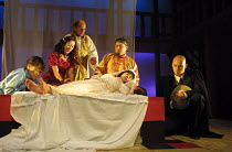 ROMEO AND JULIET by Shakespeare design: Elroy Ashmore directors: Alasdair Ramsay & Paul Courtenay Hyu IV:v - Juliet's family find her 'dead' on her wedding day - l-r: Pik-Sen Lim (Nurse), , Li-Leng Au...