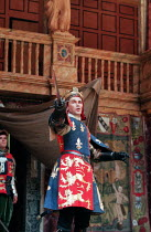 HENRY V by Shakespeare design: Jenny Tiramani director: Richard Olivier  Mark Rylance (Henry V Shakespeare's Globe (SG), London SE1 06/06/1997 Donald Cooper/Photostage   photos@photostage.co.uk   ref/...