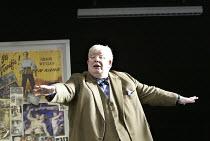 THE HISTORY BOYS by Alan Bennett design: Bob Crowley lighting: Mark Henderson director: Nicholas Hytner ~~Richard Griffiths (Hector)~Lyttelton Theatre, National Theatre, London SE1  18/05/2004~ Donald...