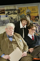 THE HISTORY BOYS by Alan Bennett design: Bob Crowley lighting: Mark Henderson director: Nicholas Hytner ~~l-r: Richard Griffiths (Hector), Frances de la Tour (Mrs Lintott), Stephen Campbell Moore (Irw...