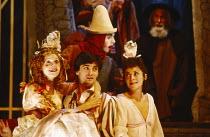 NICHOLAS NICKLEBY adapted by David Edgar from the novel by Charles Dickens design: John Napier & Dermot Hayes lighting: David Hersey directors: Trevor Nunn & John Caird l-r: Julie Peasgood (The Infant...